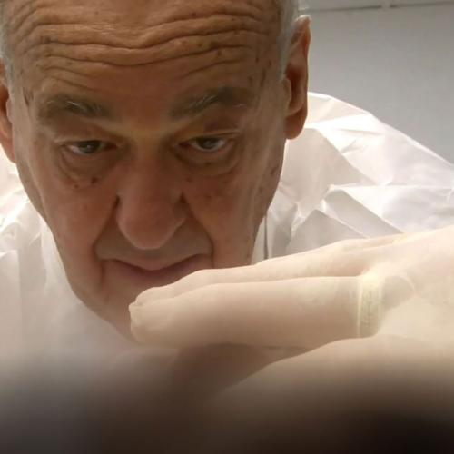 Forensic pathologist Cyril Wecht
